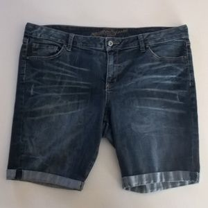arizona shorts size 17 roll cuff distressed blue